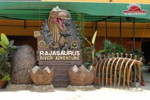 rajasaurus-river-adventure-is-a-clone-of-universals-jurassic-park-ride-big