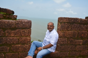 At The Walls of the Fort Aguada